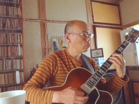 片桐秀樹さんギター演奏